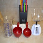 Image of Food scale and measuring cups