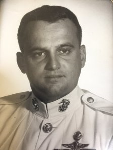 Image of Marine Veteran Terry Labar in uniform