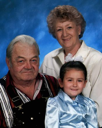 Army Veteran 'C.A.' Graves, his wife Carol and granddaughter Taylor Sky