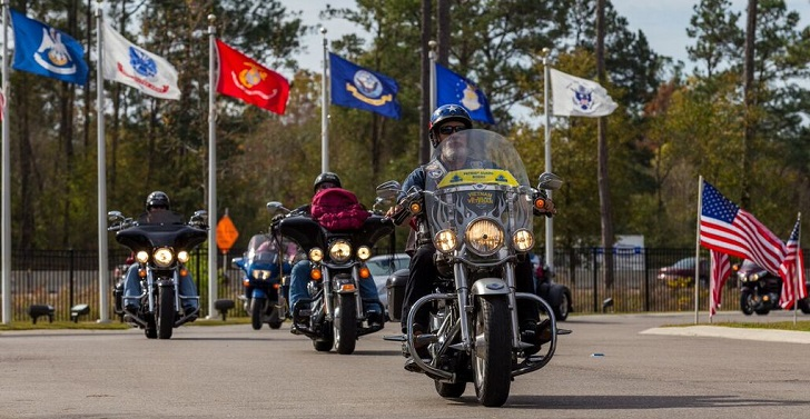 IMAGE: Honor Parade of motorcycles escorting Veterans to a cemtery