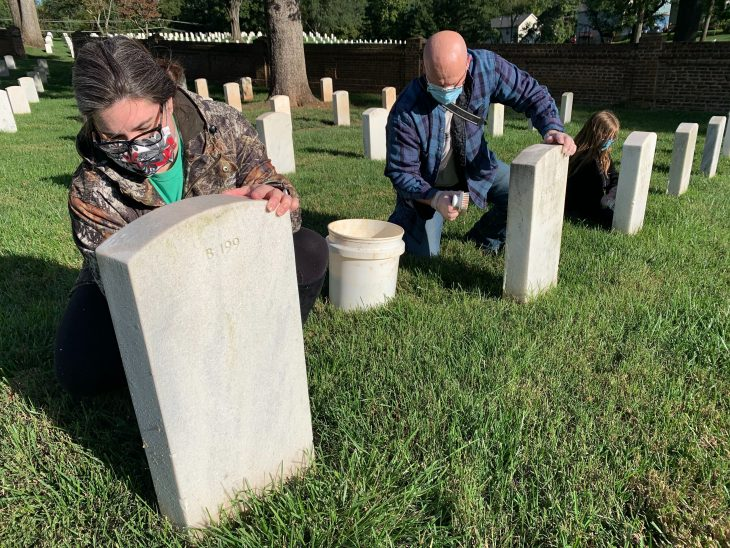 Volunteers return safely to national cemeteries during COVID-19
